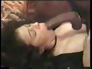 Бисексуалы на дому снимают неплохое порно с грудастой мадемуазель